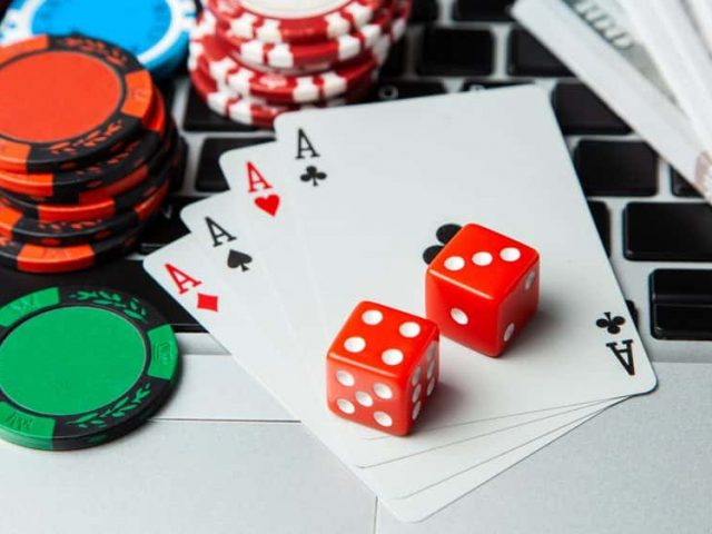 Traditional gambling versus Online Gambling