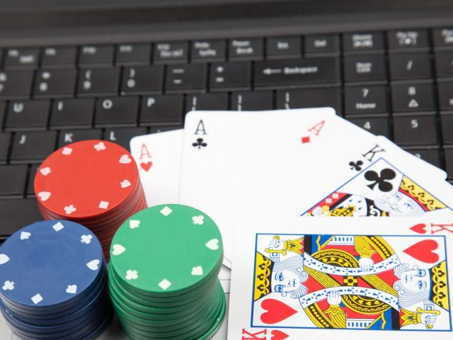 Learn Every Type of Poker with Full Color Examples